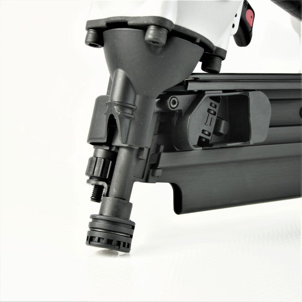 Durable, tough nose on 22 degree plastic collated framing nailer gun